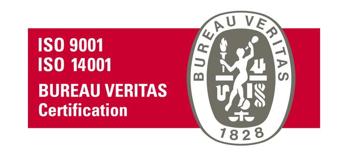 logo-iso-9001-14001 : le logo des Bureaux Veritas (ovale verticale) sur un fond rectangulaire bordeaux, sur lequel est écrit : ISO 9001 14001, Bureau Veritas, Certification.