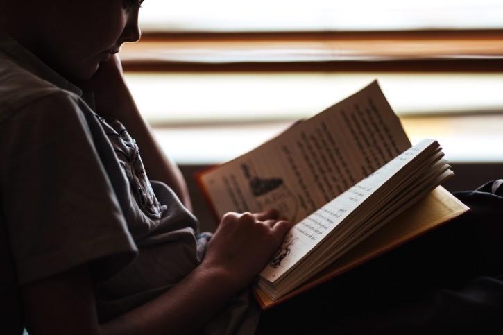personne qui lit